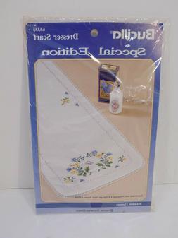 1992 Bucilla Special Edition MEADOW FLOWERS Dresser Scarf St
