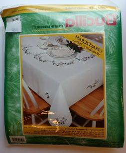 Bucilla Pfaltzgraff 1999 Winterberry Cross Stitch Tablecloth