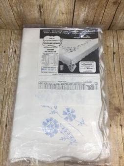"""Bucilla Stamped Linen Tablecloth Kit GARDEN BOUQUET 70"""" x 10"""