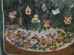 Vtg Bucilla Sequins~Beads Jeweled Tree Skirt & 8 Ornaments F